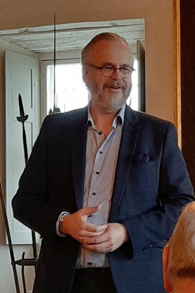 Grev Michael Ahlefeldt-Laurvig-Bille byder velkommen